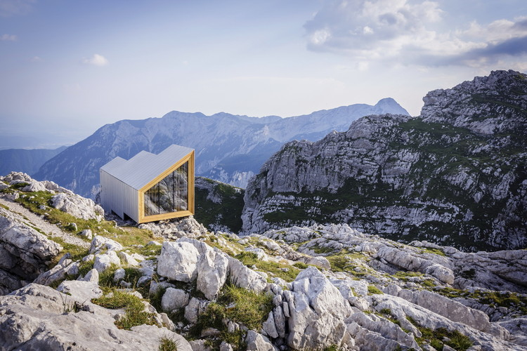 Alpine Shelter Skuta / OFIS Architects + AKT II + Harvard GSD Students, © Anze Cokl