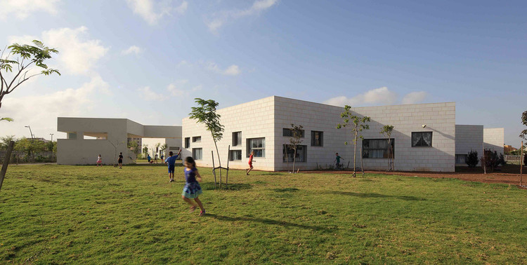Tidhar School / Schwartz Besnosoff Architects, Courtesy of Schwartz Besnosoff Architects