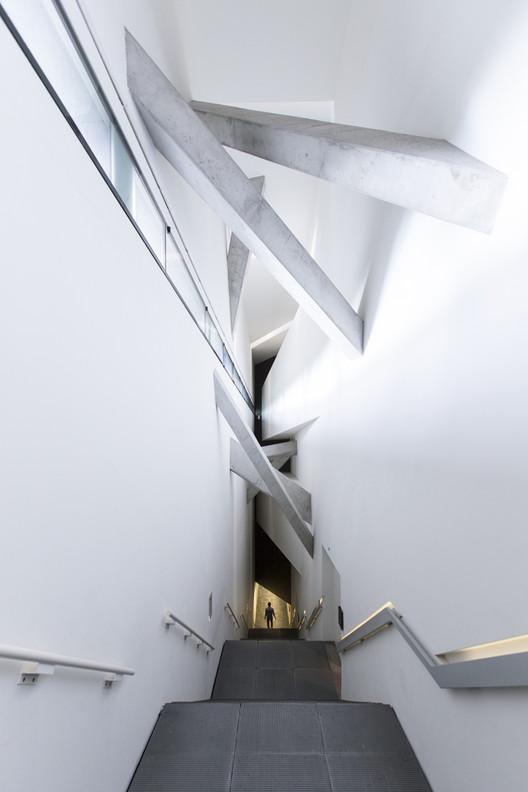 Museu Judaico em Berlim, de Daniel Libeskind, fotografado por Laurian Ghinitoiu , Museu Judaico em Berlim / Daniel Libeskind. Imagem © Laurian Ghinitoiu