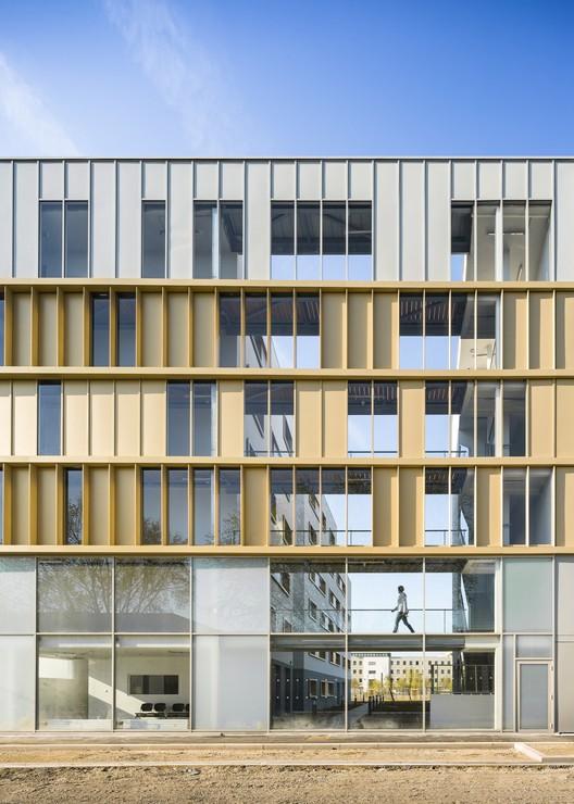 Residencia Vivienda Social / PetitDidier Prioux Architectes, © Sergio Grazia
