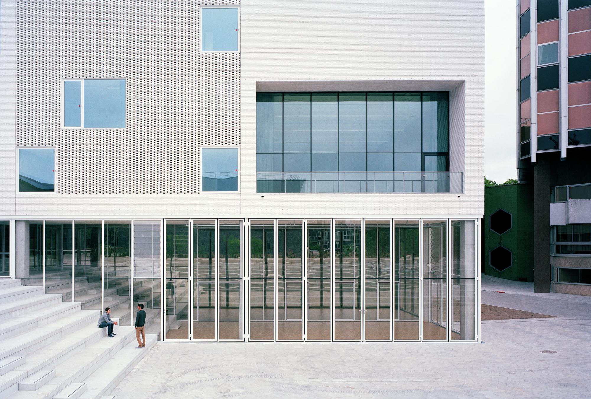 Nantes conservatory raum l 39 escaut architectures for Architecture nantes