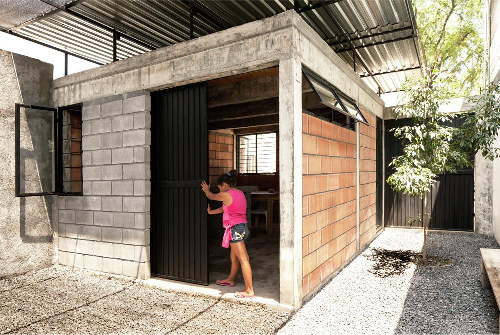 Arquitetura social no m xico casa coberta comunidade for Casa container costo