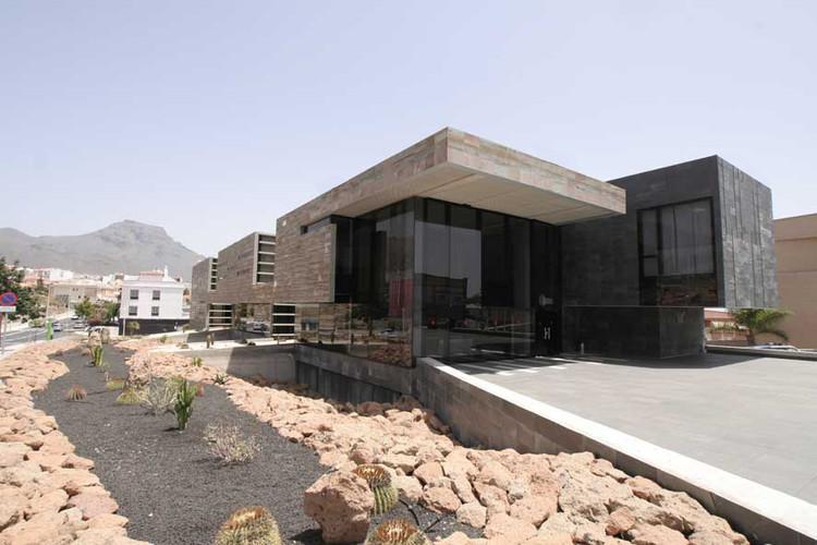 Cuartel de la polic a local de adeje estudio lav n s l for Local arquitectura
