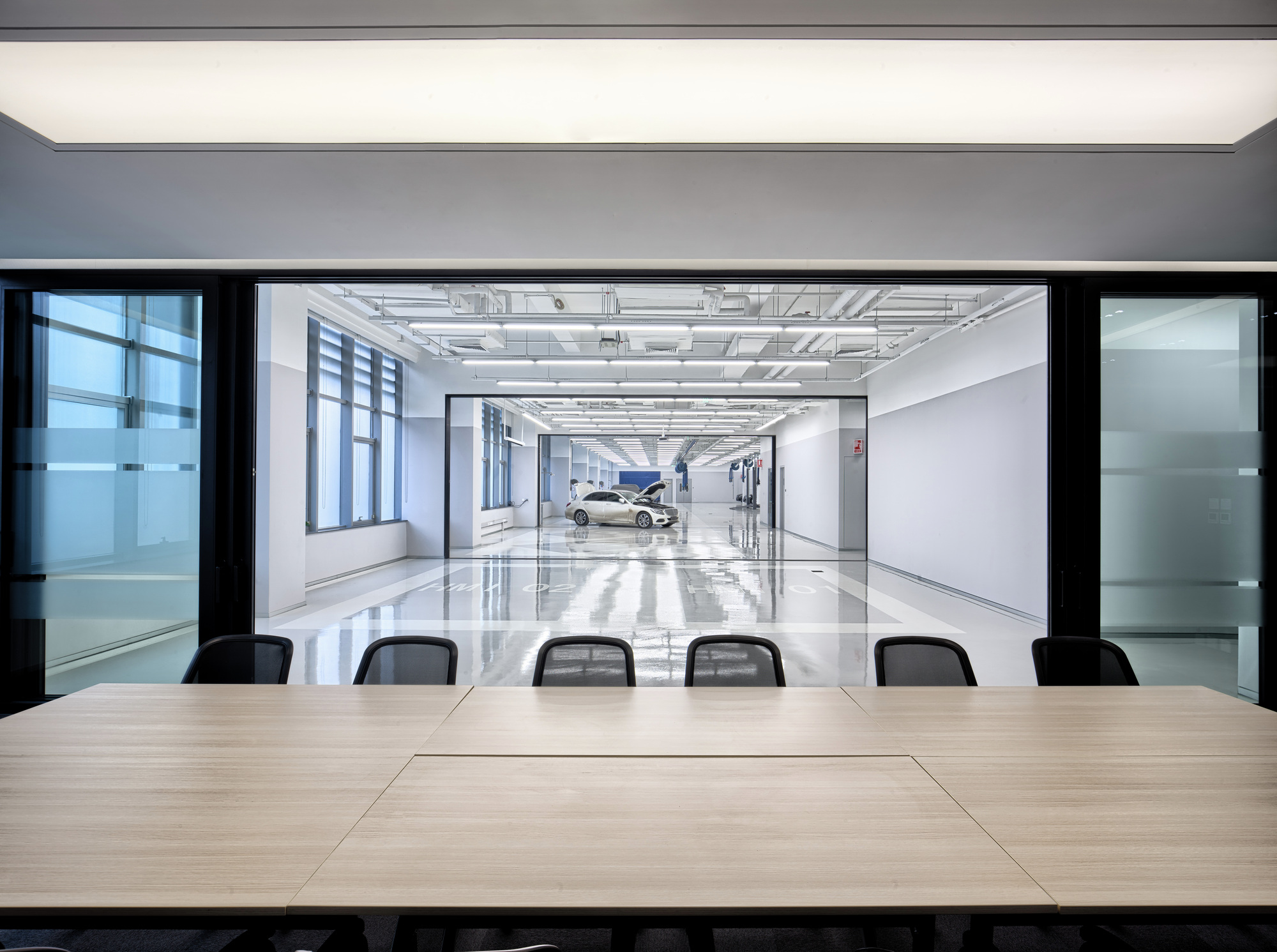 Gallery of mercedes benz advanced design center of china for Mercedes benz main office