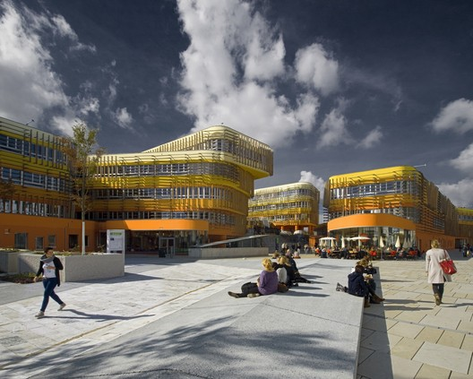 The winner of the 2014 Colour Prize - Departments Of Law And Central Administration / CRAB Studio. Image ©  Ronald Kreimel