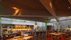 Pescados Capitales Restaurant / GonzalezMoix