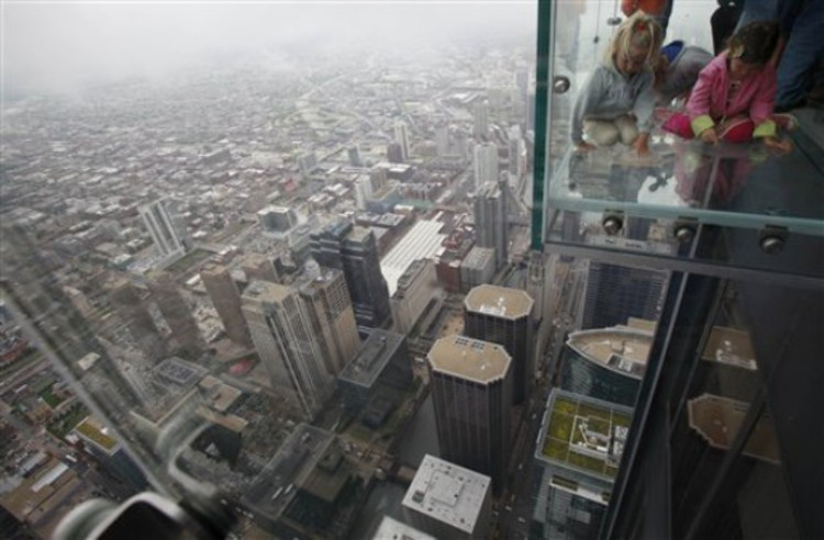 Glass Balcony at Sears Tower | ArchDaily