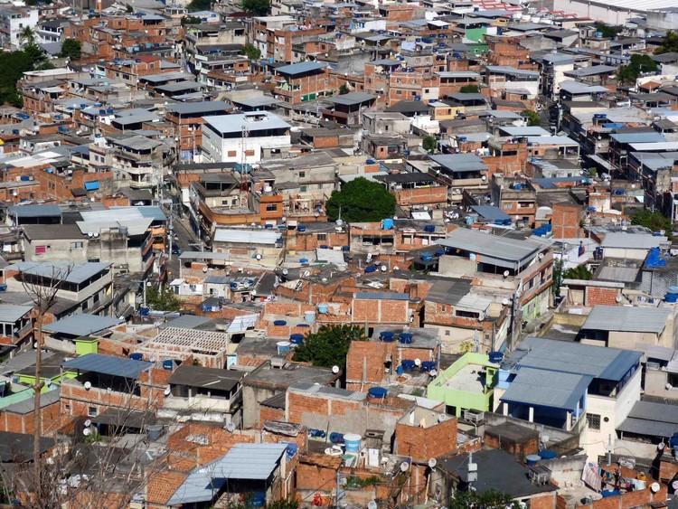 ONU promove curso sobre uso do solo e assentamentos urbanos na América Latina, Complexo do Alemão no Rio de Janeiro. Image © Solène Veysseyre