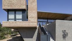 Single Family House in Molino de la Hoz / Mariano Molina Iniesta