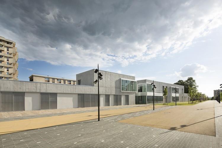 Reforma Do Centro Social Em Creil Nomade Architects