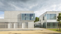 CREIL Social Center Renovation / NOMADE architects