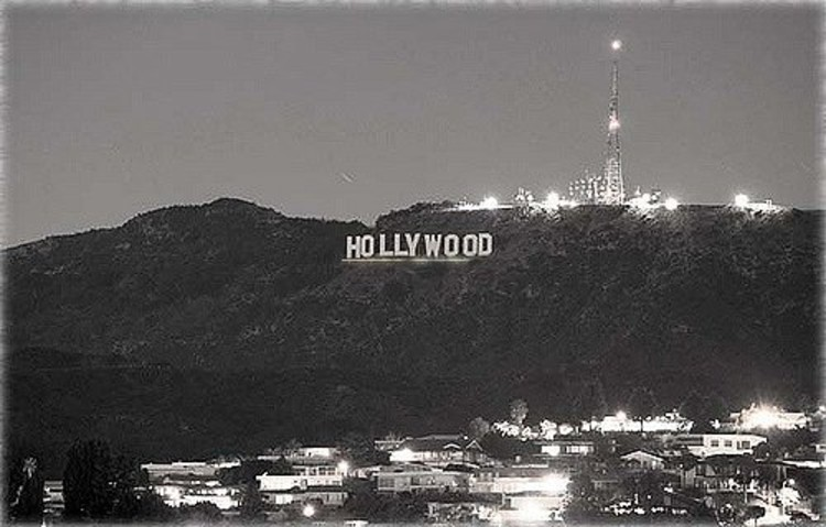 Hollywood Un Der Lined
