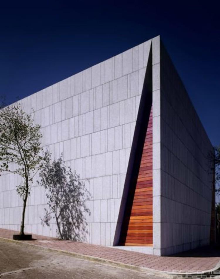 Casa de Meditación / Pascal Arquitectos