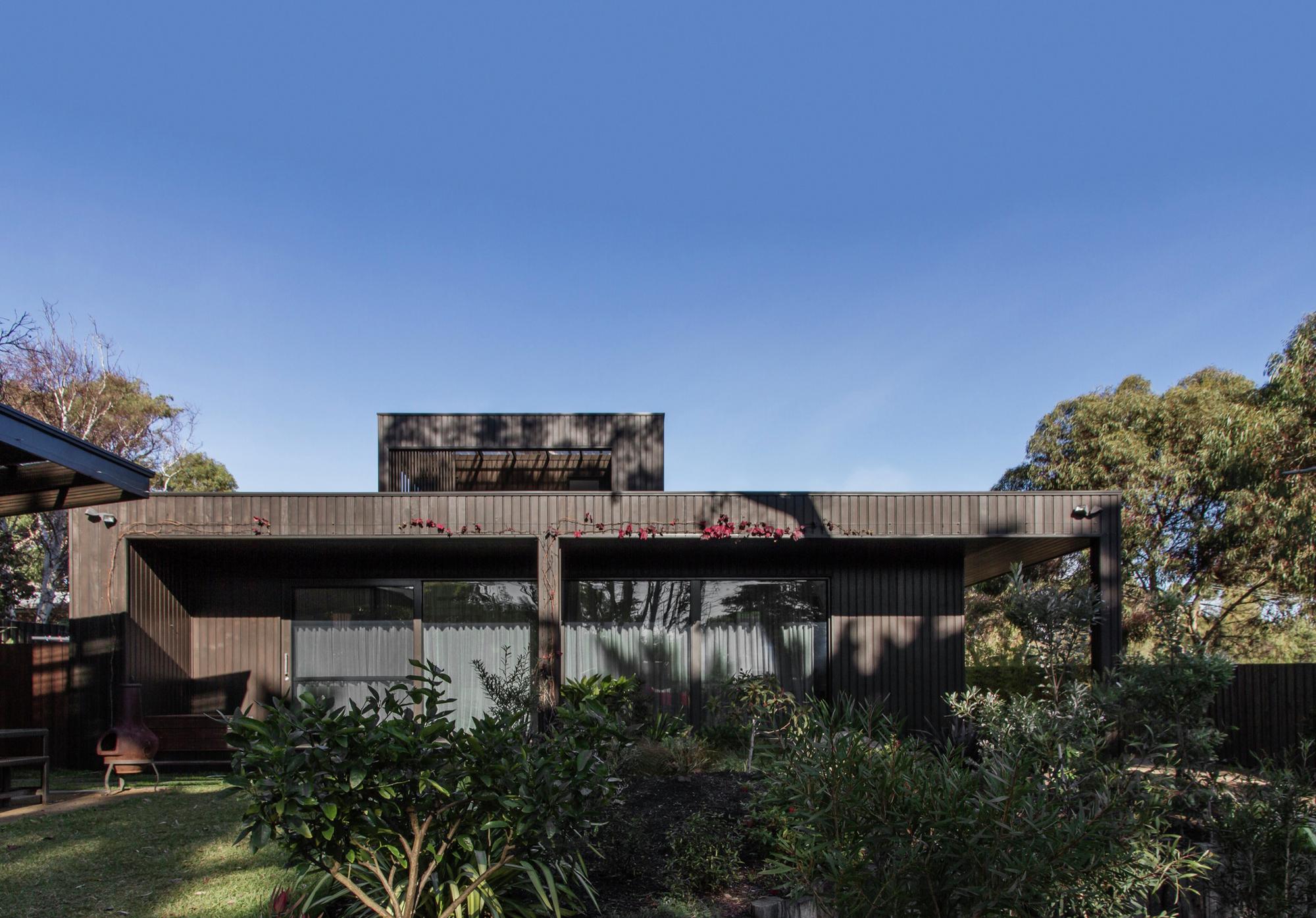 Bass Street Residence / B.E Architecture