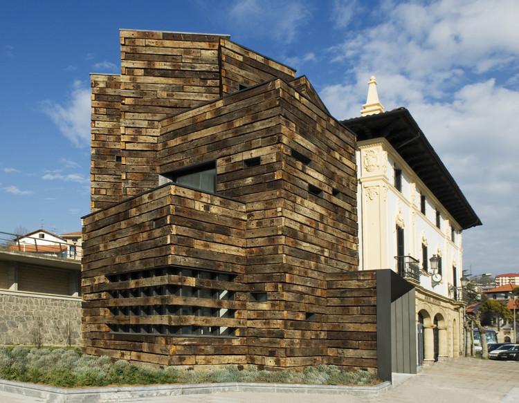 Ampliación Biblioteca Aizkibel  / Estudio Beldarrain, © Jon Cazenave