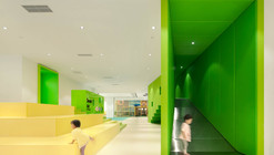 Family Box Qingdao / Crossboundaries