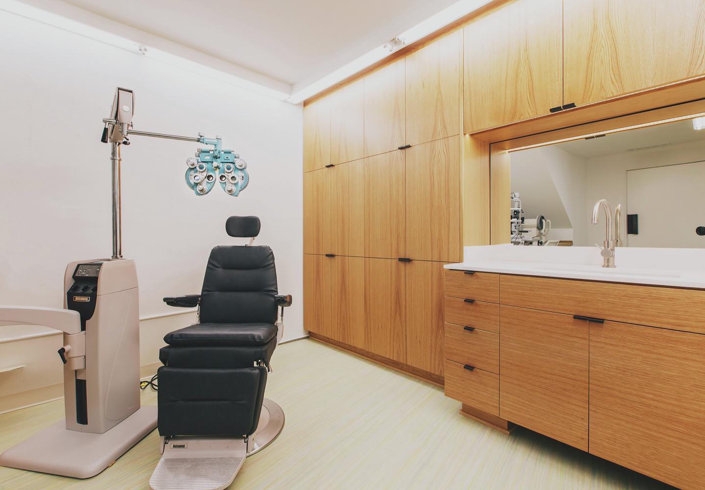 Eye Eye Exam Room