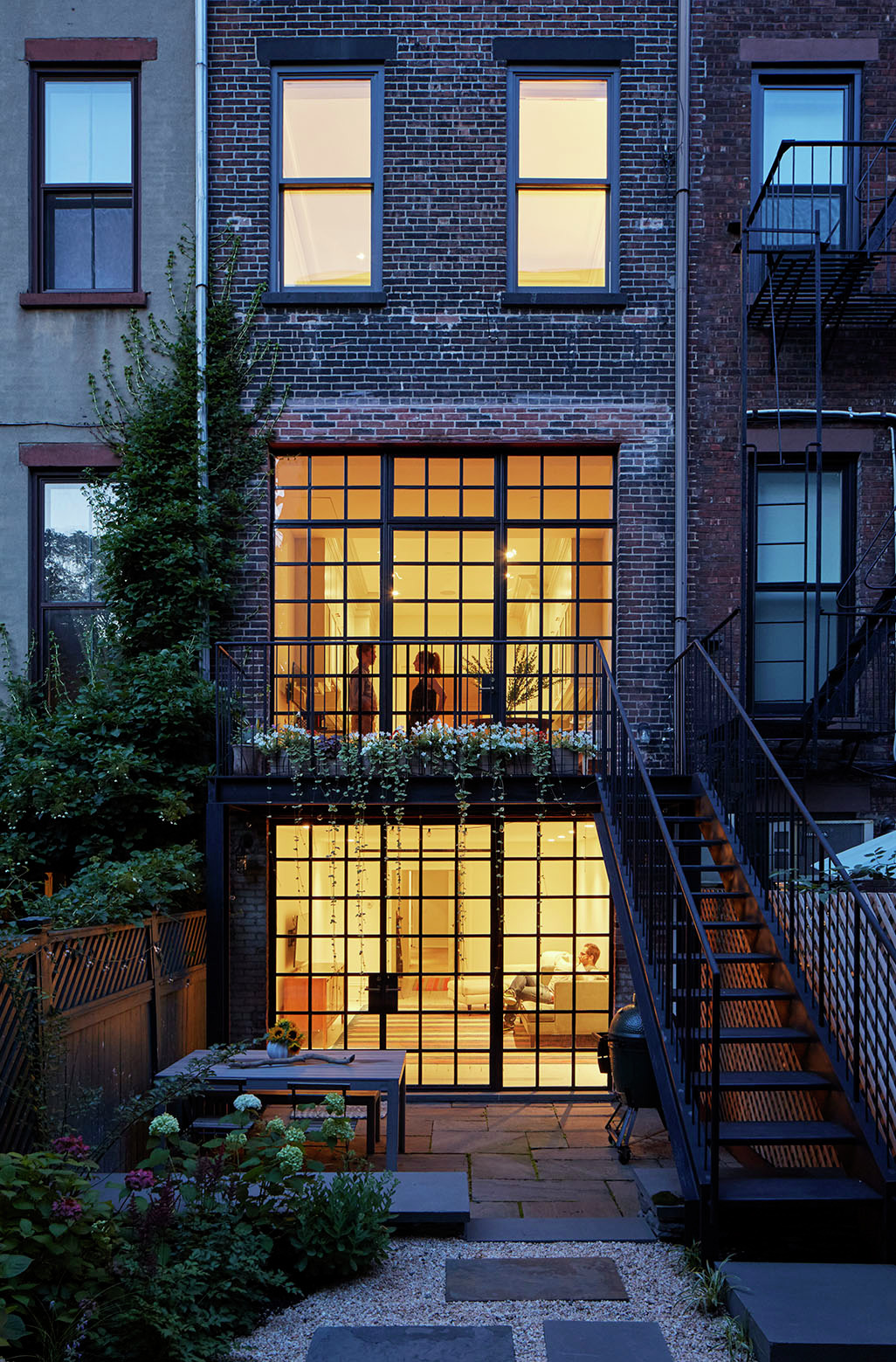 Carroll gardens townhouse lang architecture archdaily for Modern townhouse architecture