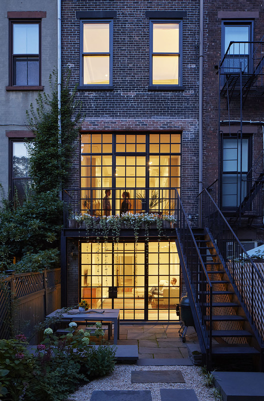Carroll Gardens Townhouse / Lang Architecture, © Ty Cole Photography