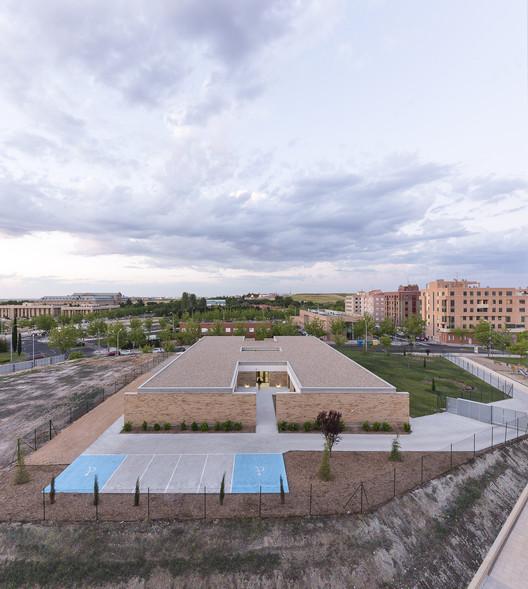 Dos módulos de viviendas asistidas / Juan Carlos Navarro Pérez, © Álvaro Viera