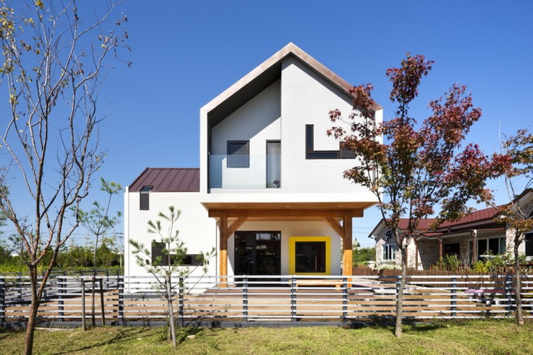 Casa-em-T Iksan / KDDH architects, © Youngchea Park
