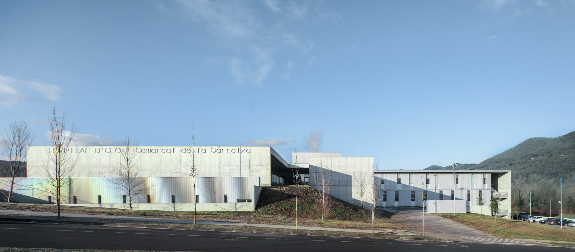 Gallery of D'olot i Comarcal Hospital / Ramon Sanabria ...