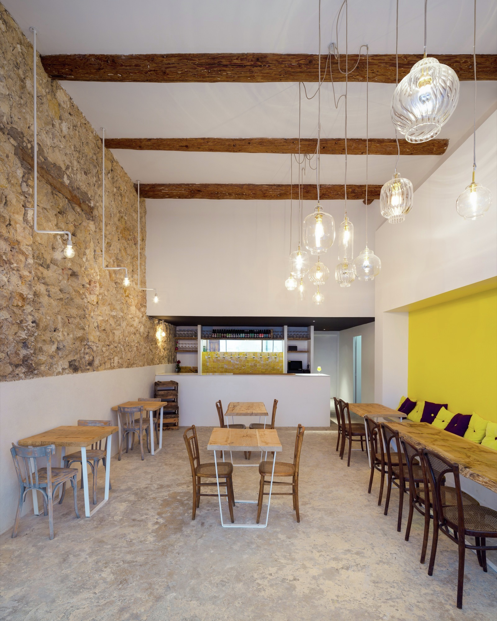 Bar De Cervezas De Fietje Bertrand Guillon Architecture