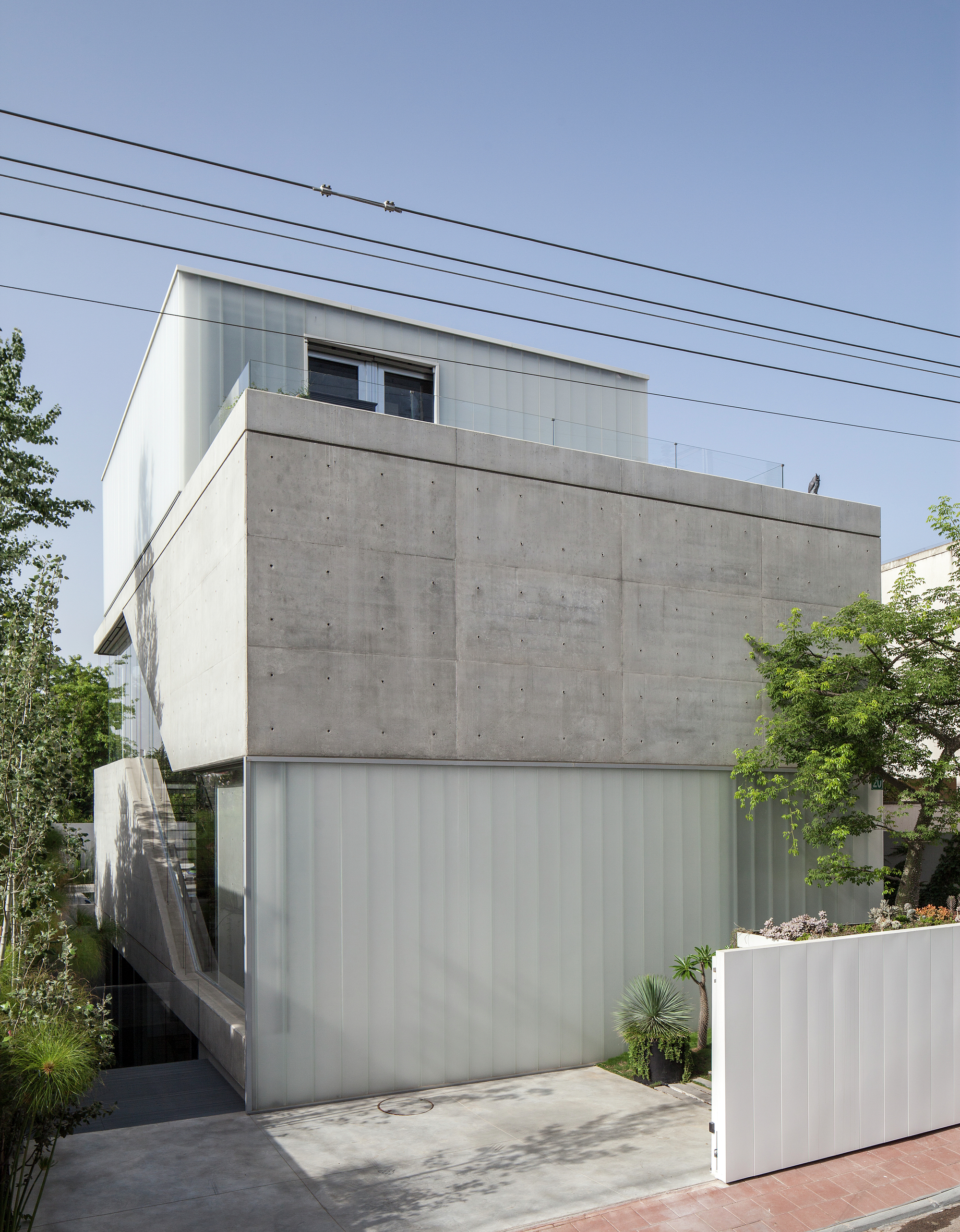 Gallery of the concrete cut pitsou kedem architects 3 for Casas modernas hormigon visto