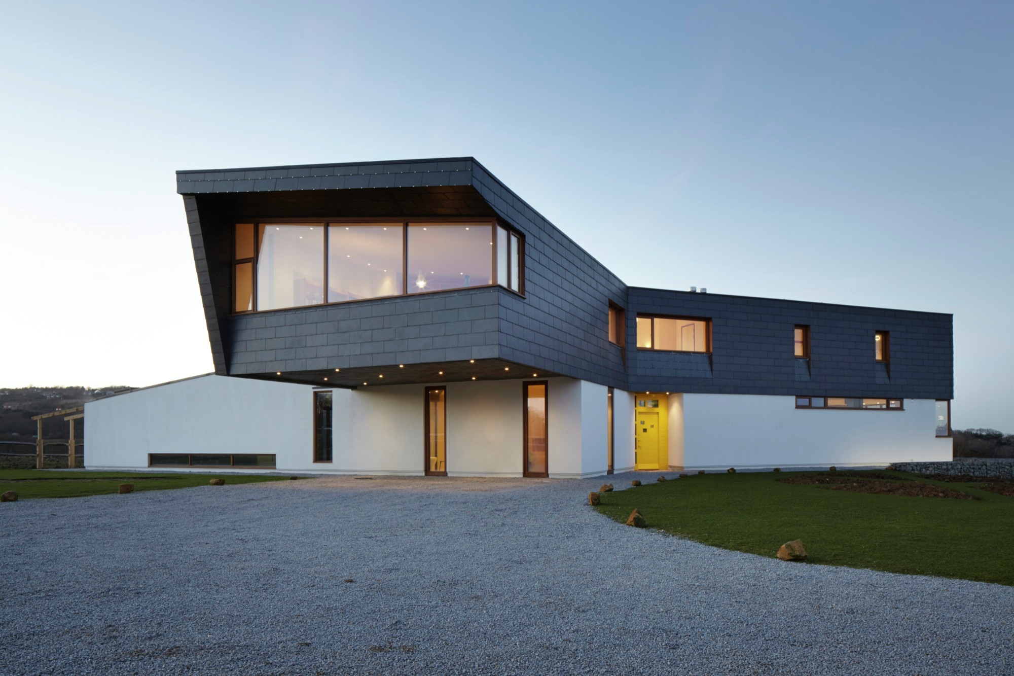 Gallery of Split House / Alma-nac - 14