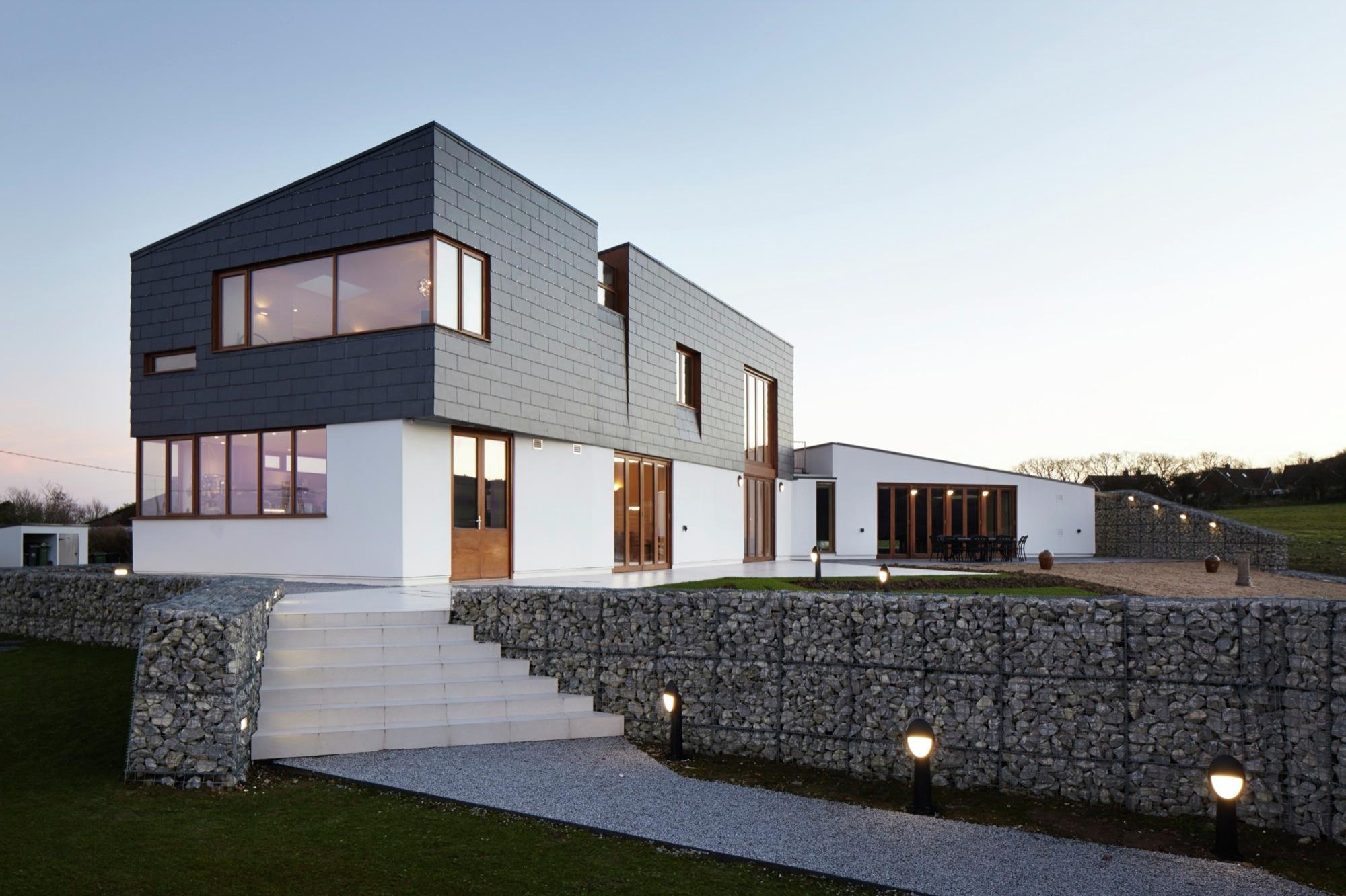Split House Alma nac ArchDaily