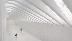 Santiago Calatrava Discusses the WTC Transportation Hub