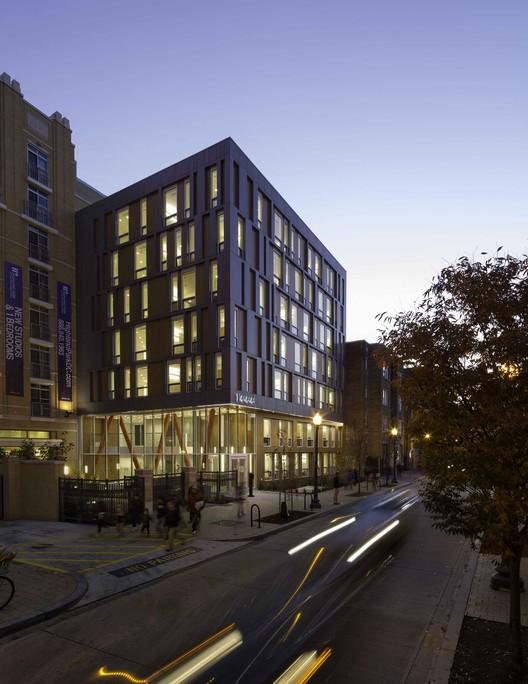 2016 Berkeley Prize Now Open, La Casa Permanent Supportive Housing / Studio Twenty Seven Architecture + Leo A Daly. Image Courtesy of AIA