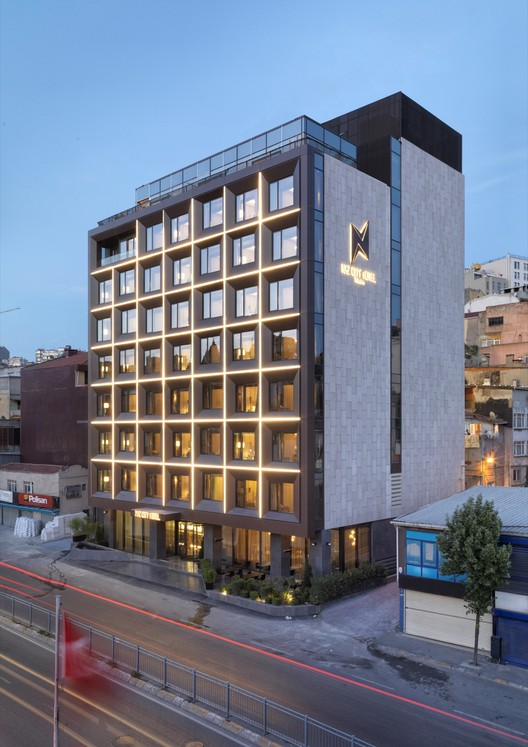 Naz city hotel taksim metex design group archdaily for Hotel interior and exterior design