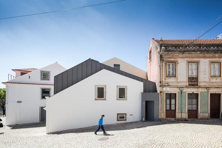 Family house correnteza 21 humberto conde archdaily - Rehabilitacion de casas antiguas ...