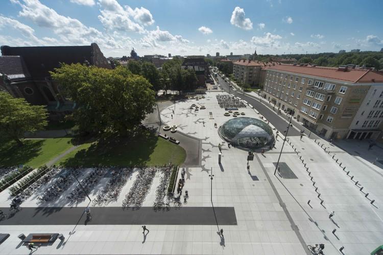 St Johannesplan & Praça Konsthall / White, © Hanns Joosten