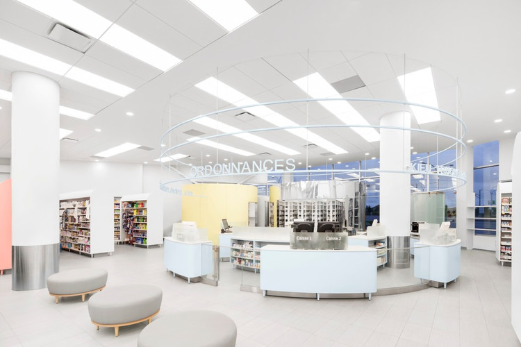 Uniprix Pharmacy and Medical Center / Jean de Lessard Designers Créatifs, © Adrien Williams