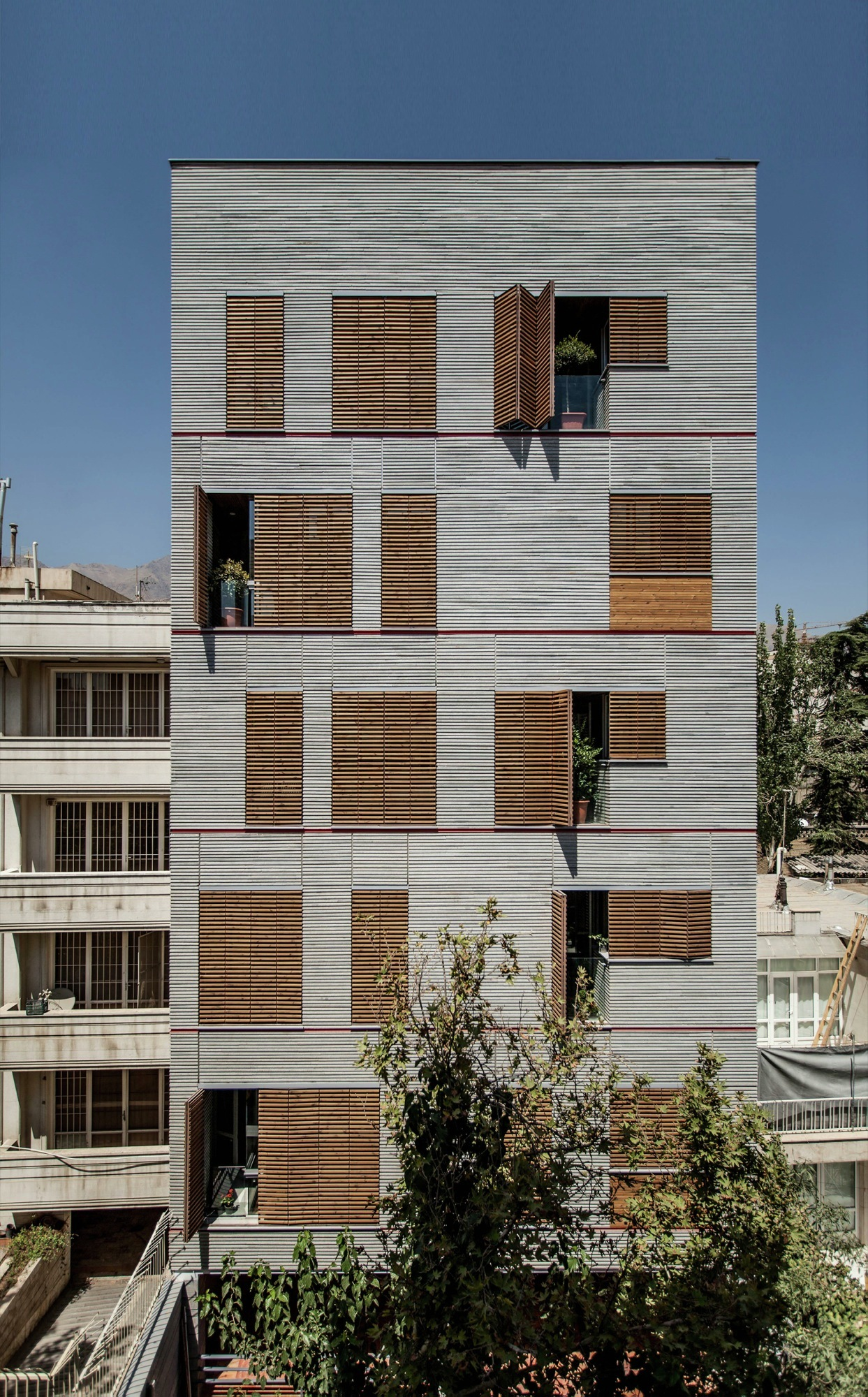 Andarzgoo residential building ayeneh office archdaily for Residential house builders