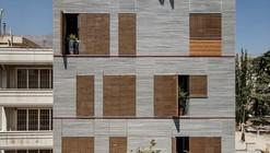 Edificio habitacional Andarzgoo / Ayeneh Office