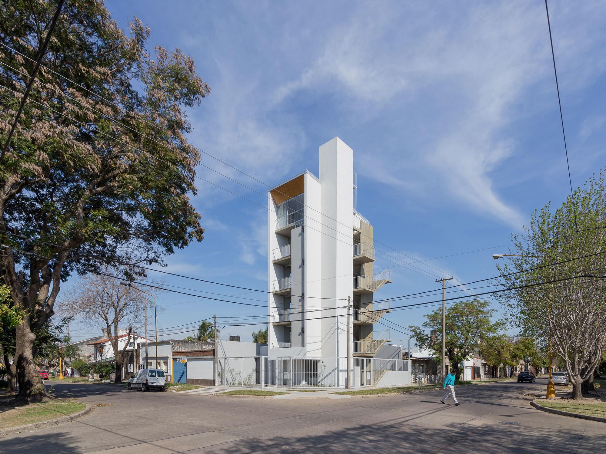 Edificio Castelli / BIAGIONI / PECORARI