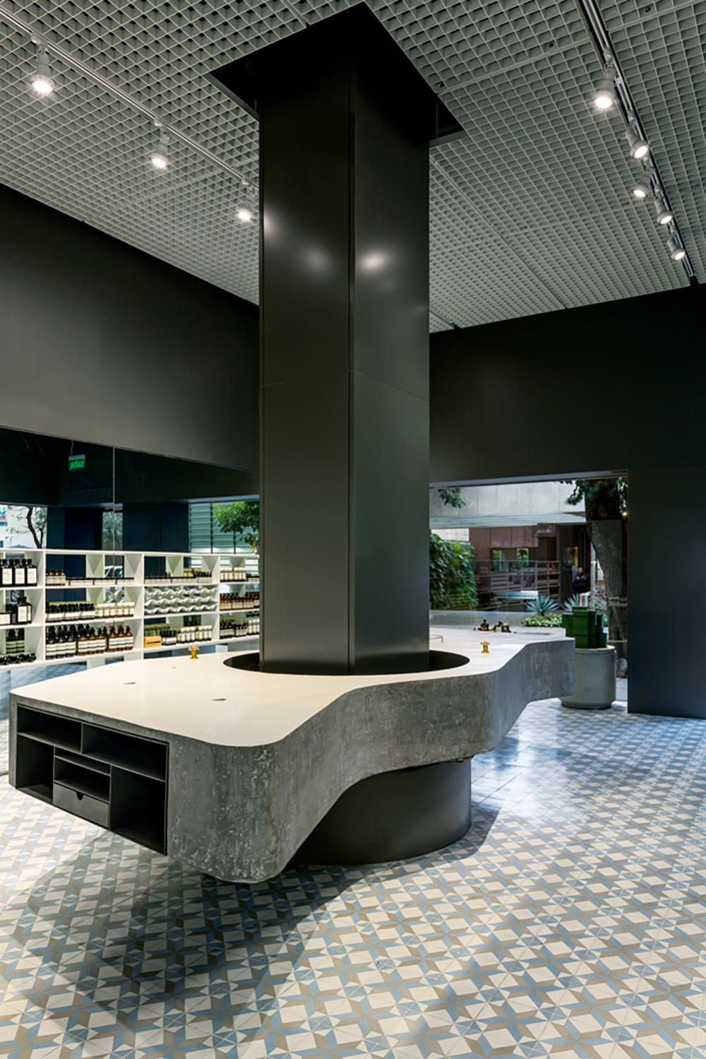 AESOP / Metro Arquitetos Associados + Paulo Mendes da