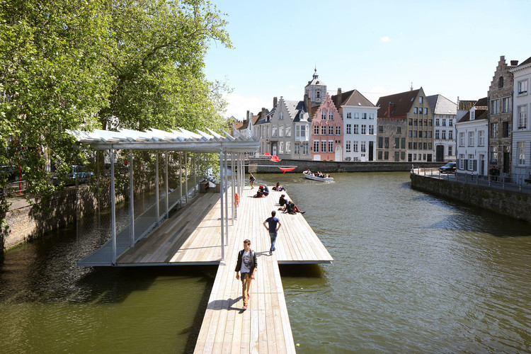 Clube de Natação no Canal / Atelier Bow-Wow + Architectuuratelier Dertien 12, © Filip Dujardin