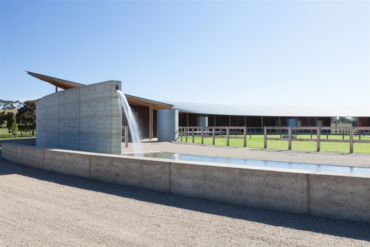 Equestrian Buildings / Seth Stein Architects + Watson Architecture+Design, © Lisbeth Grosmann