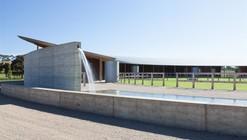 Centro ecuestre / Seth Stein Architects + Watson Architecture+Design