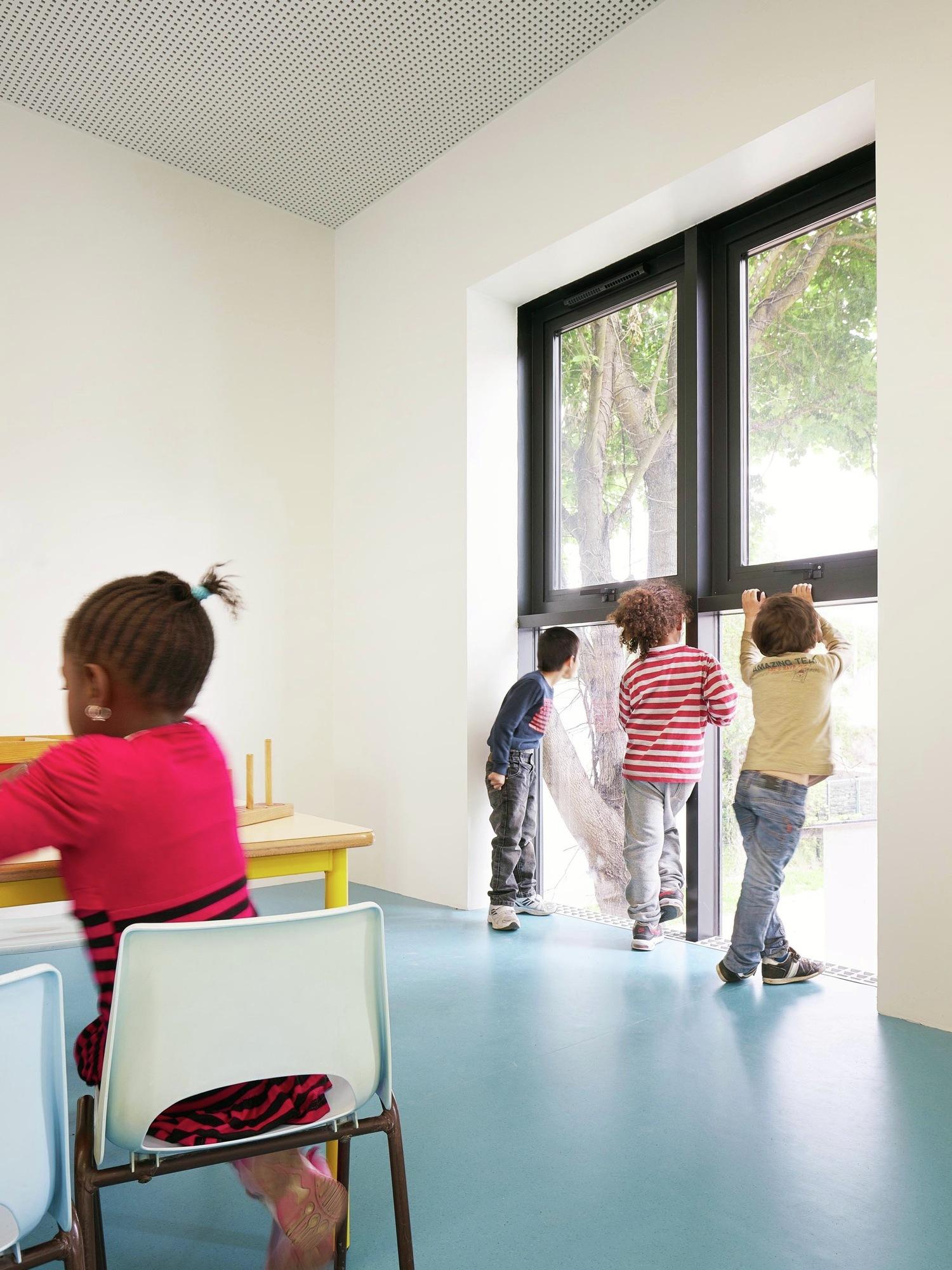 Galer a de extensi n escuela infantil graal architecture 8 for Piscine mantes la ville