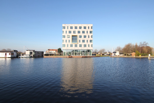 LIMES International  / STOL architecten