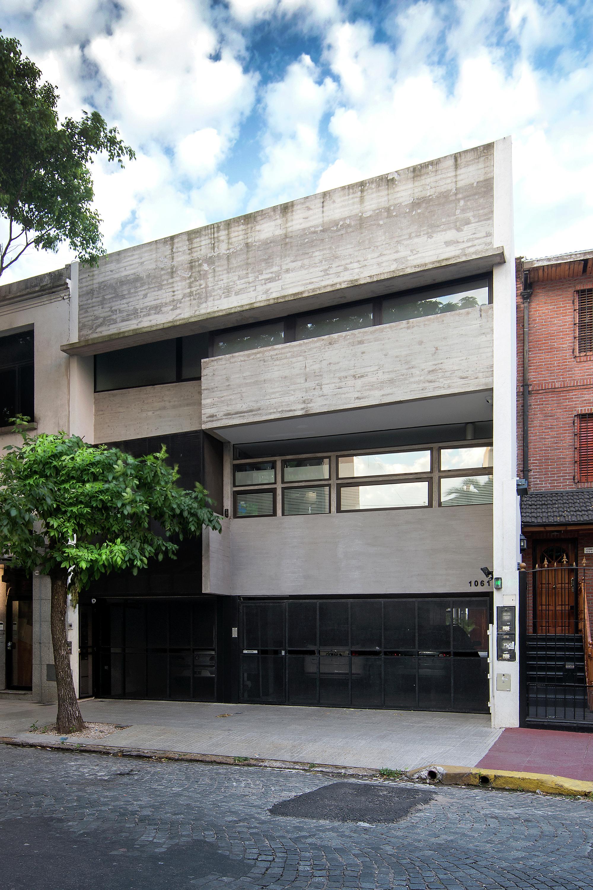 Galeria de 2 casas conesa bak arquitectos 15 for Arquitectos para casas
