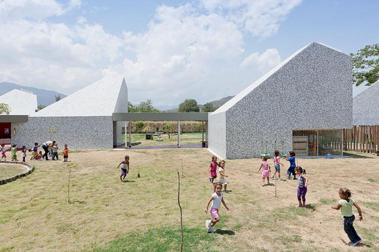 Uma introdução à arquitetura nas pedagogias alternativas, Jardim de Infância Timayui, Giancarlo Mazzanti, 2011