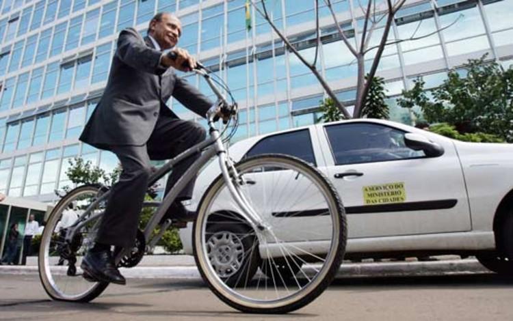 MPF de Pernambuco oferece dia de folga para quem vai de bicicleta ao trabalho, via Plataforma Urbana