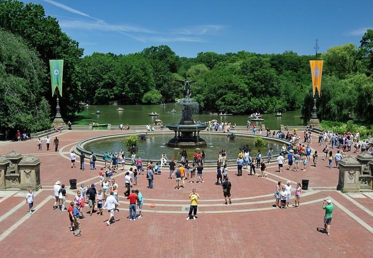 Três elementos importantes para projetar uma rua mais adequada aos pedestres, Central Park, Nova Iorque. Imagem © diana_robinson, viía Flickr
