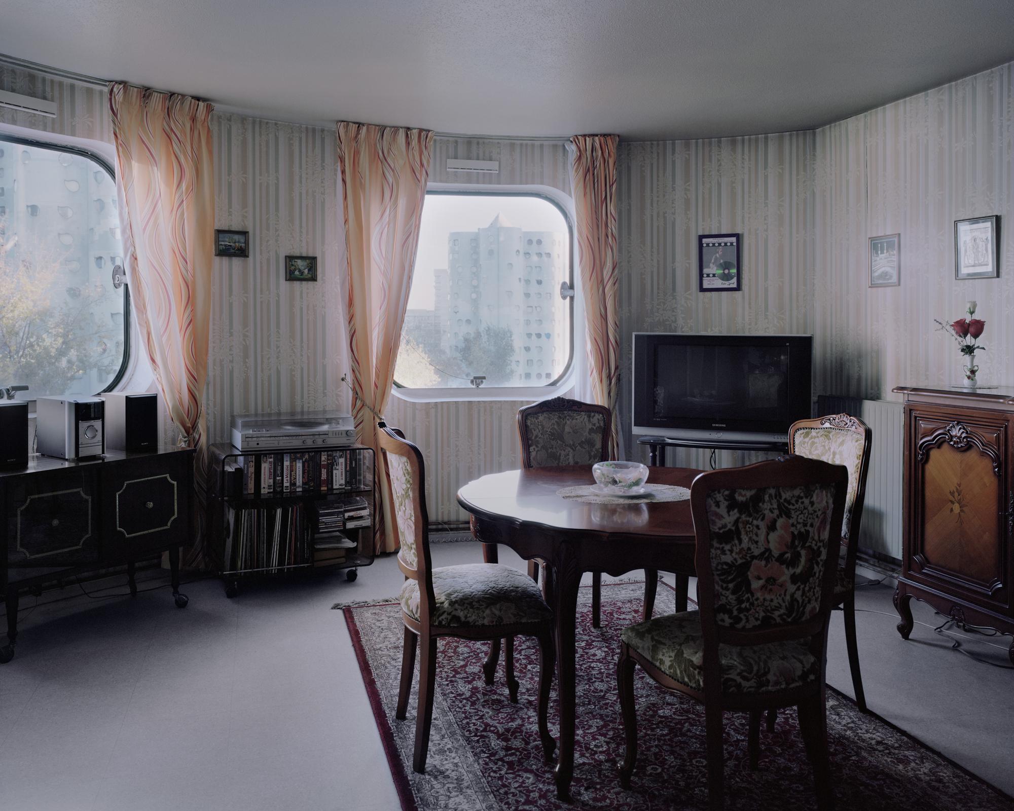 Gallery of a utopian dream stood still ricardo bofill 39 s for Maison du tournage
